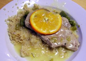 Pork chops in orange-pepper sauce